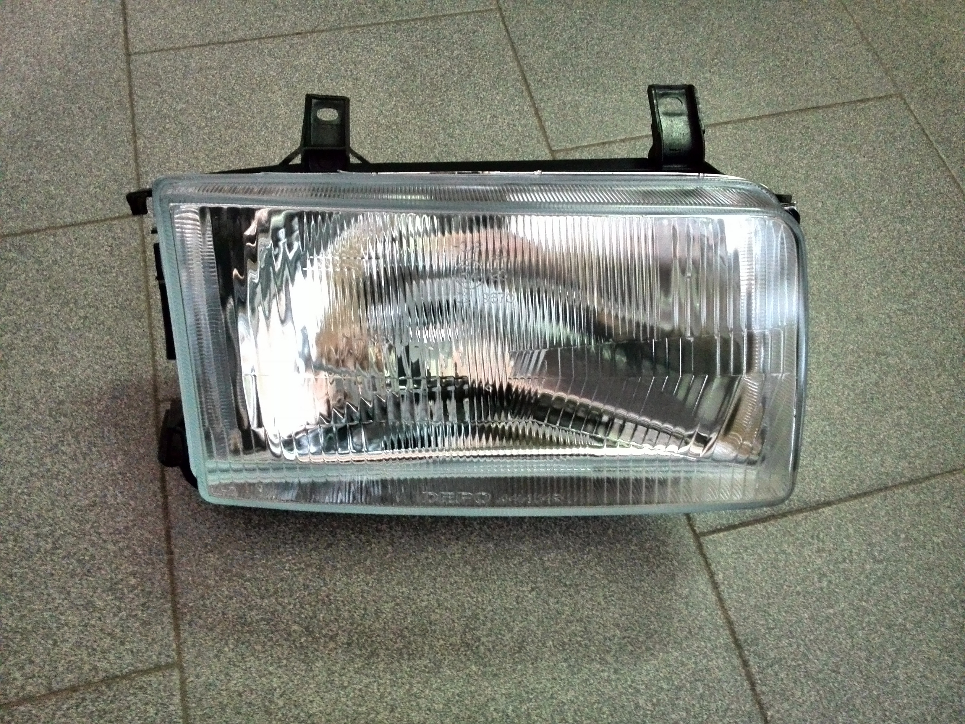 Фара правая для VW Transporter T4 1996-2003